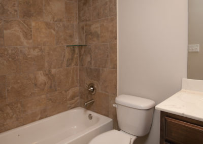 Memphis Home Builders | Lot 85 SR Bath 2